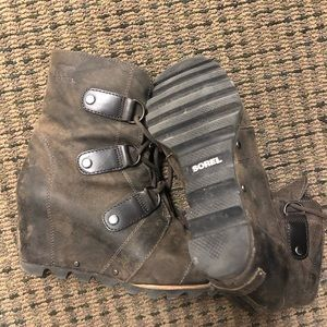 Sorel arctic wedges